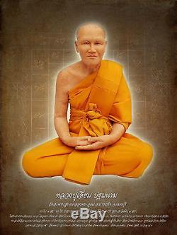 Phra Pidta LP Aium Geninue 22k Gold Case Thai Amulet Closed Buddha VTG