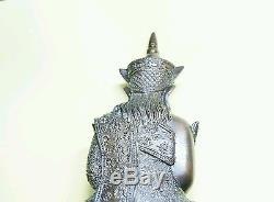 Phra mae Ngan Chai Hang Ngang Ajarn Thiam Thai Buddha amulet statue